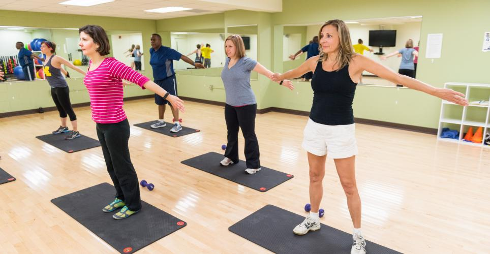 people in exercise class